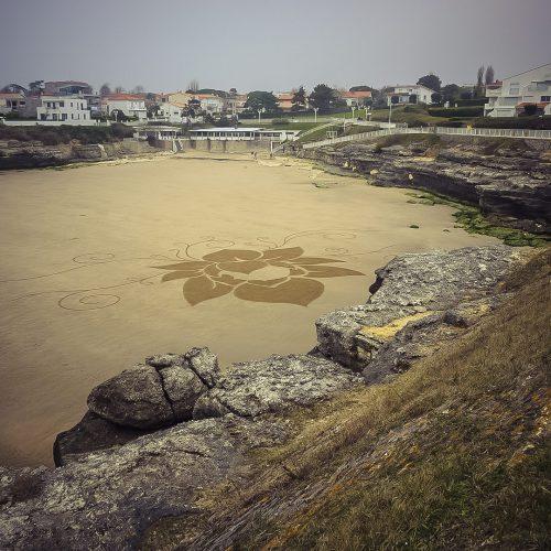 Beach art lotus