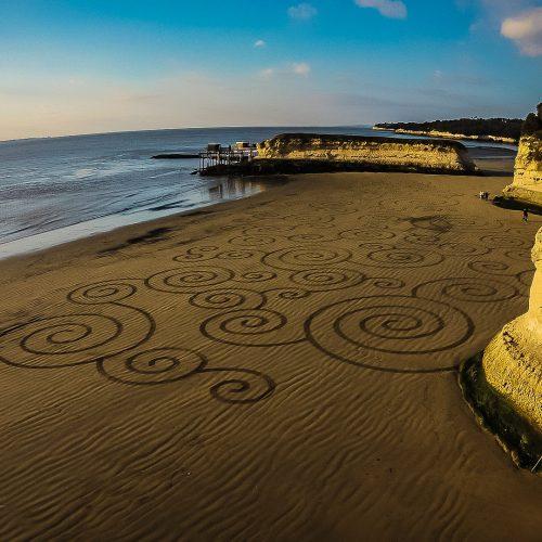 Beach art cercles