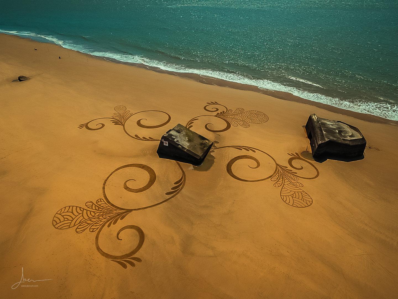 Beach art fleurs on the blocks