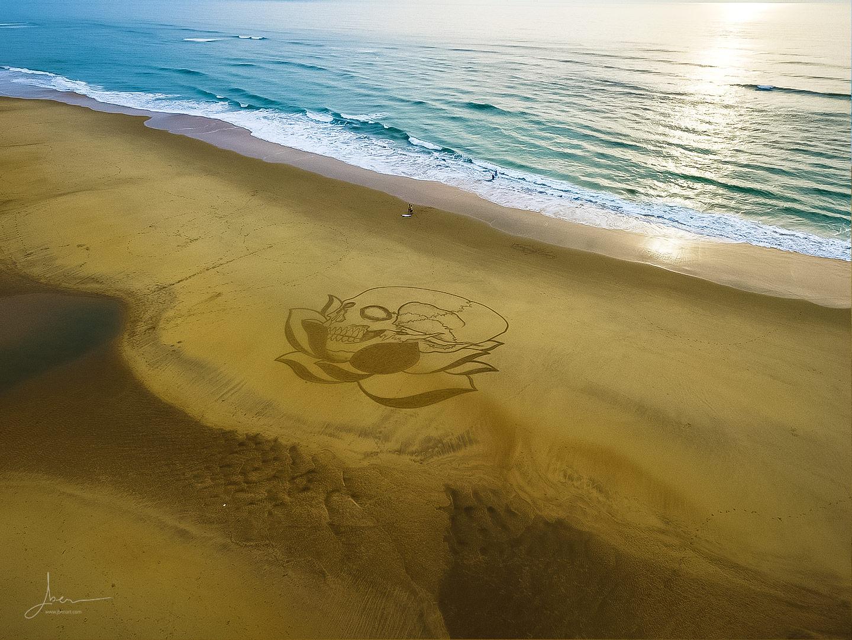 Beach art lotus and skull