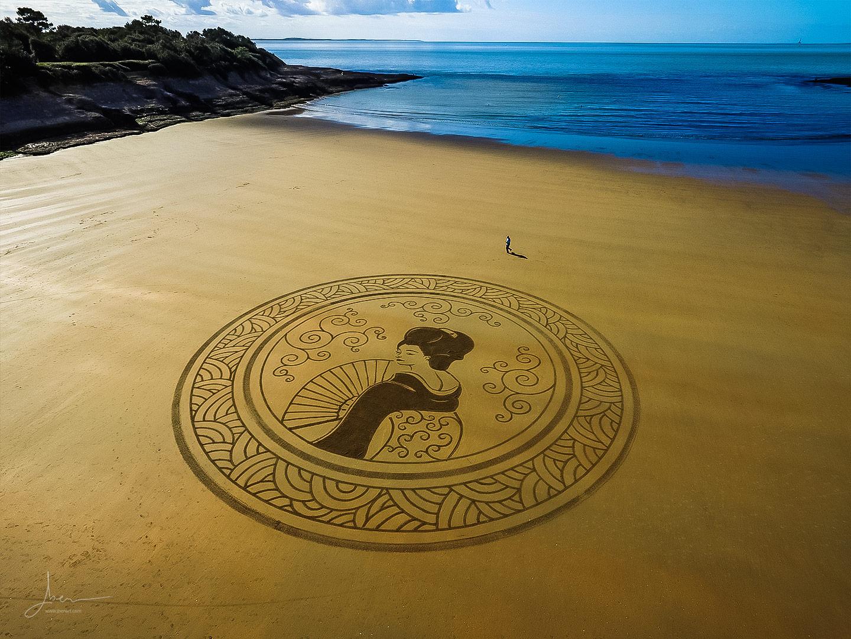 Beach art Geisha