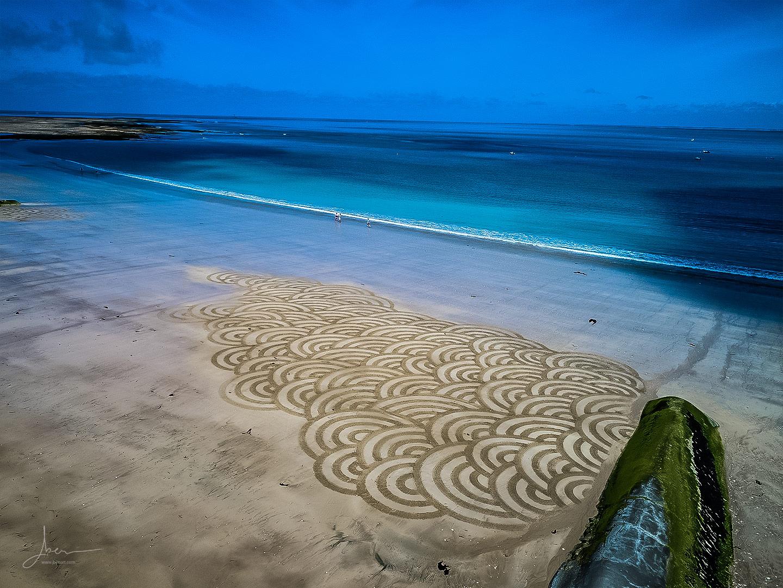 Beach art tube circles