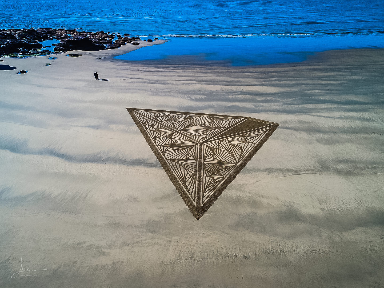 beach art tron