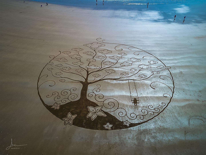 beach art balançoire