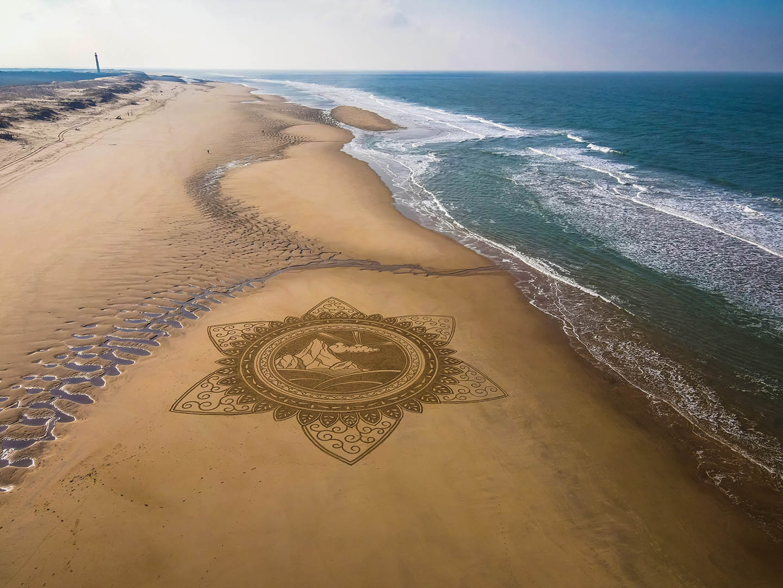 Beach art mountaindala
